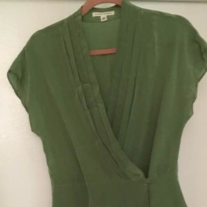 Banana Republic Green silk sleeveless M